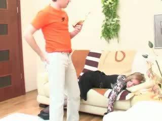 Пиян спящ мама анално прецака видео