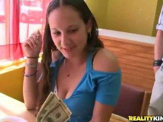 Poseren voor geld. geen seks!