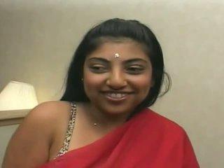 Mooi indisch gets sticky kwak alle over haar gezicht