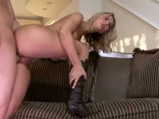 Dissolute Chick AshLynn Brooke Knows How To Milk The Bump Out Of A Smut Copulatestick