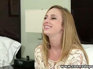 Teensdoporn drobcene najstnice natakarica prva čas porno kasting intervju
