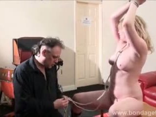 Seksual damsel in distress amber west in bondage and kaýyl bolýan blondinka tied to a table in the living room video