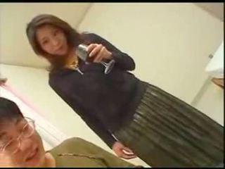 اليابانية موم teaches ابن english
