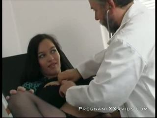 Zwanger dokter examination