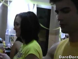 Gratis asrama siswa parties video