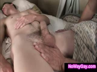 Gay roommate touches schlafen hetero freund