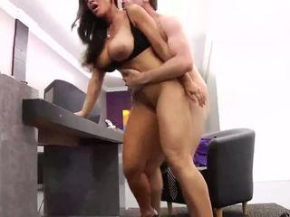 big boobs, lielas krūtis, birojs
