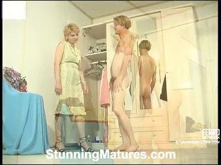 Christina un tobias ekscentriskas mama iekšā darbība