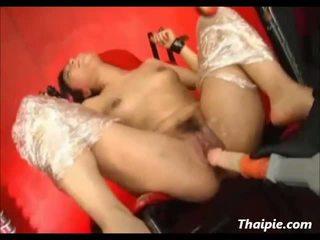 Énorme lié poilu asiatique orgasme