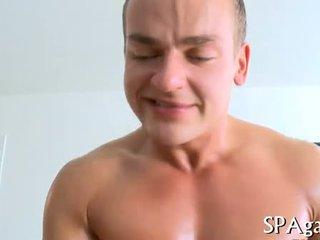 Raucous masaža s geji