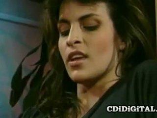 hôn anh, lesbo tươi, mới lezzy anh