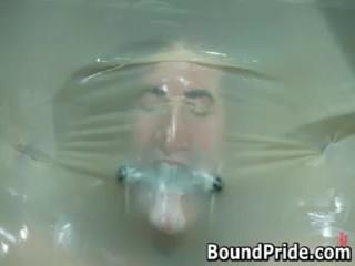 Nick noman plastiek wrapped en gets zijn hard 10 pounder jerked 5 door boundpride