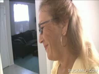 Anya és csaj szopás egy dong