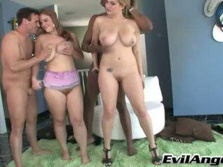 Cassandra calogera és sierra skye zuhany -val geci folyik