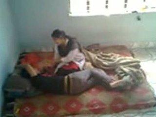 Bangladeshi medis pelajar dengan bf di mess (leaked)