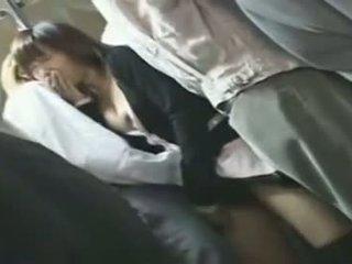 Dandy 109 mujer vestida hombre desnudo shenanigans en busy tren 3