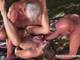brünett, vana + young, threesome