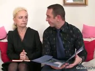 She sucks and fucks two cocks at job interwýu