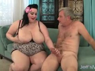 Phụ nữ đẹp lớn eliza allure gets cô ấy âm hộ pounded qua một chất béo con gà trống