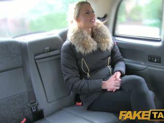 Fake taxi 性感 荷兰人 minx tries 肛交 在 taxi