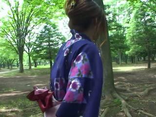 熱 geisha 在 制服 sucks 公雞 在 該 toilets