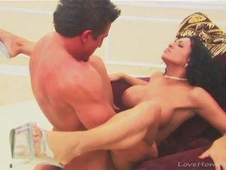 Muscular dude enjoys slamming see kuum beib: tasuta porno 07