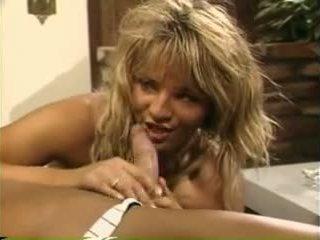 Erica boyer fucks guy kuigi nina hartley sucks teda ära - porno video 801