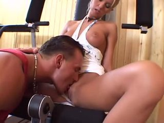 In the gym with a blonde Linda Shane