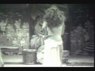 Vuosikerta eksoottiset dancer