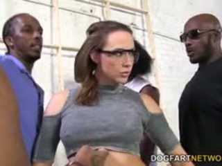 Chanel preston gets geneukt door een crew van zwart men