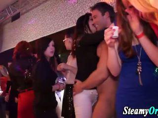 Sunday night sikiş at the dance klub!