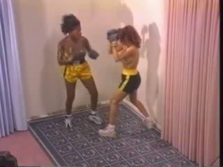 Kails starprašu bokss (requested slow-mo)