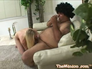 Aaliyah jolie jíst pryč a maličký kohout na a cubby chap