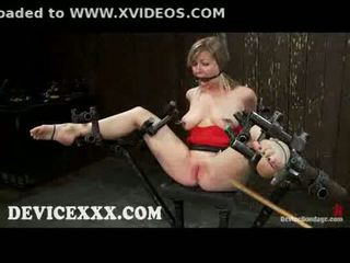 Atada adrianna nicole gets flogged y coño toyed
