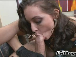 Phallus Starving Chick Gracie Glam Has Her Mouth Hooked Up Onto A Huge Rod