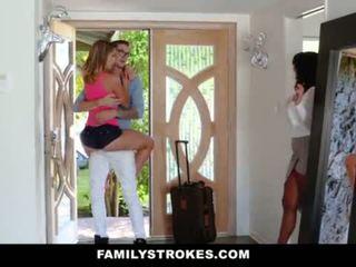 Familystrokes - đại học bro cums quê hương đến sừng sis <span class=duration>- 10 min</span>