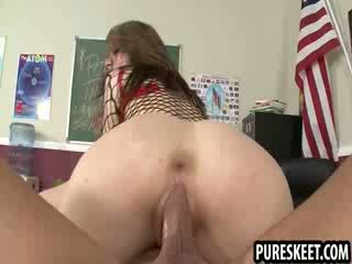 Cheerleader in fish nets gets pounded after class