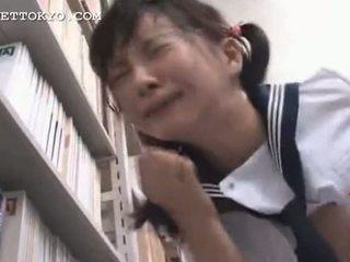 検閲 - アジアの 女子生徒 squirts と gets a フェイシャル 私