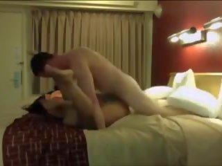 Step-son и мама: безплатно индийски порно видео 24