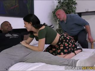 Cuckold watches ava dalush takes o negru pula