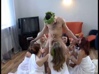 8 女孩 同 1 guy 俄 狂歡, 免費 高清晰度 色情 dd