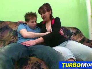 Μαλλιαρός/ή νοικοκυρά karin σεξ με ένα έφηβος/η αγόρι