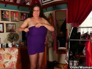 Milf Denise Davies is getting ready for her date