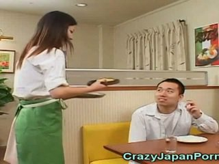 瘋狂的 色情 同 日本語 waitresses!