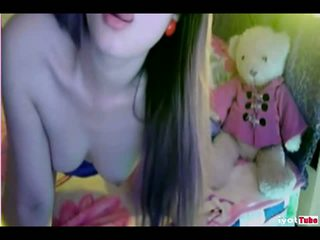Chinese cam girl shows her pussy
