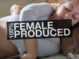 brunette, caucasian, vaginal masturbation