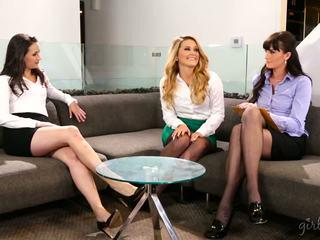 lesbot, babes, nähdä threesomes kuuma