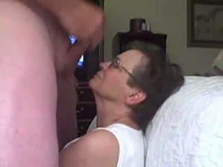 vecenīte, blowjob, brilles