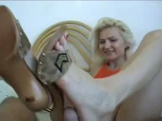 Amateur Hot Shoejob Cum On Feet