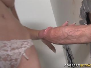 Mae meyers gets creampied līdz liels dicks - gloryhole: porno 79